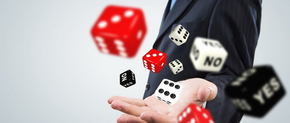 Learn about the online casino games and some valuable features it provides